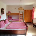 Photo of 4-bed-room with running hot/cold water